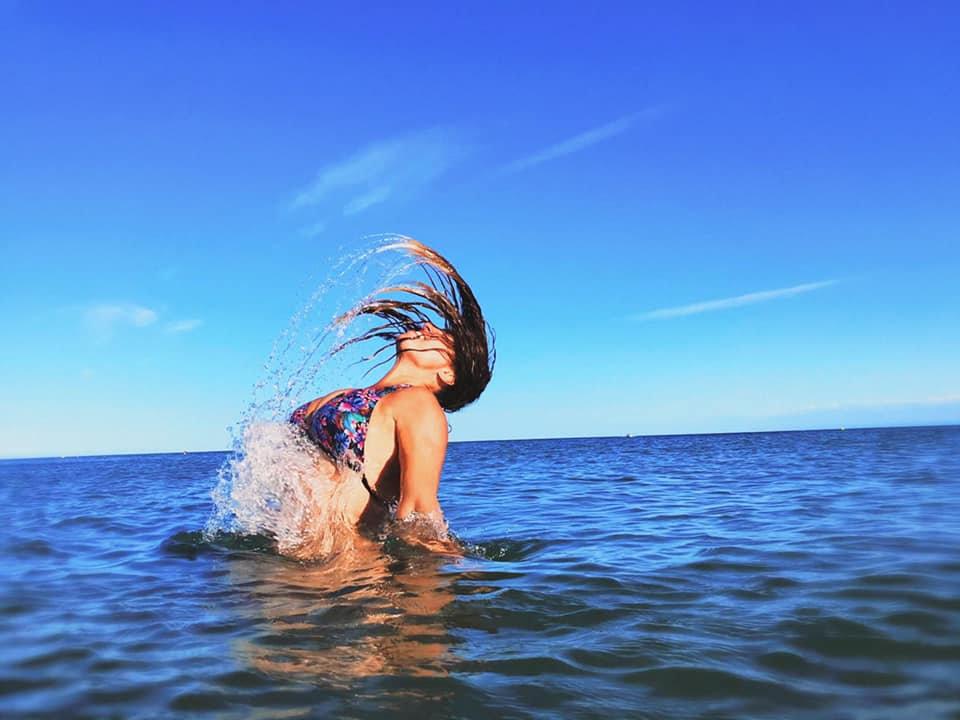 Siobhan in de zee.jpg