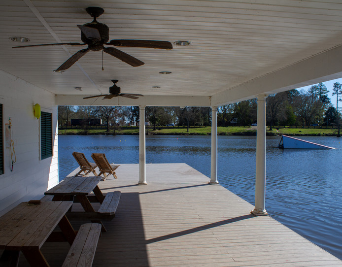 Covered dock area