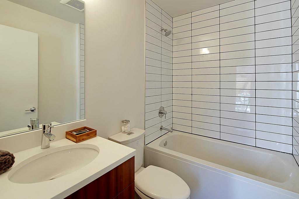 Full-size bath on lower level
