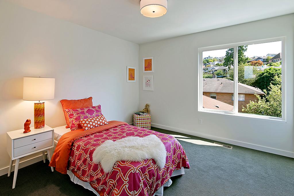 3rd bedroom on upper level