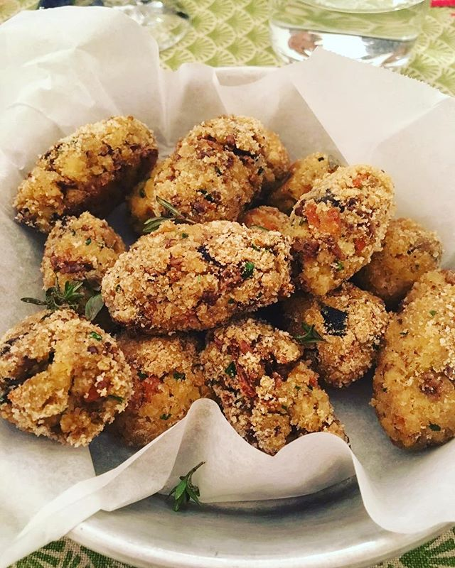 Meatball or insectsball_ _Polpette di verdure e camole della farina che donano croccantezza e sapidi