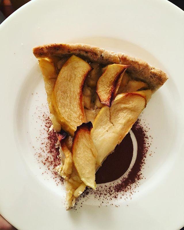 Dov'è il #grillo_ Nell'impasto sotto forma di #farina - torta di mele #glutenfree con farina di riso