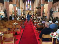 Bloemstuk kerk decoratie trouw