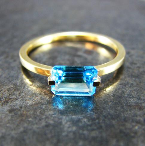blue topaz gold 1.jpg