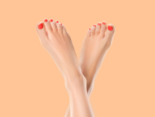 5 Surefire Tips For Making Your Pedicure Last Longer That Manicurists Swear By