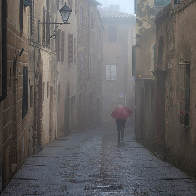 Red Umbrella, Montepulciano - Italy