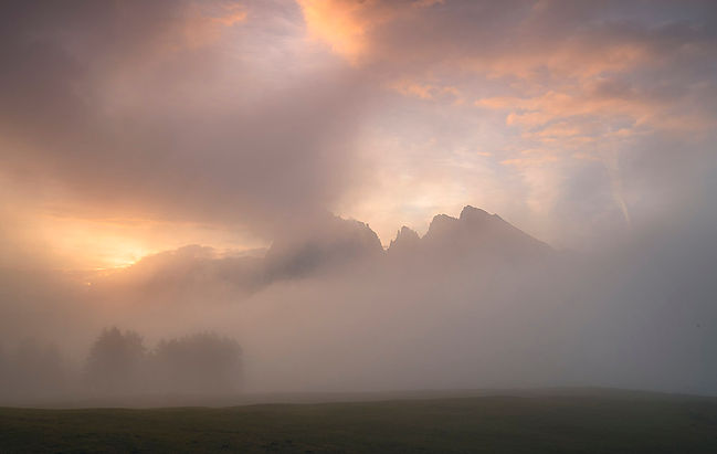 Sasso Lungo misty dawnn.jpg