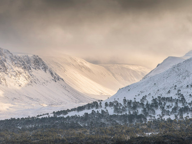 The Lairig Ghru, winter in the Cairngorms