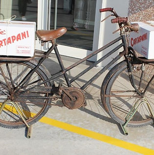 cartapani_bicycle_used_for_first_deliver