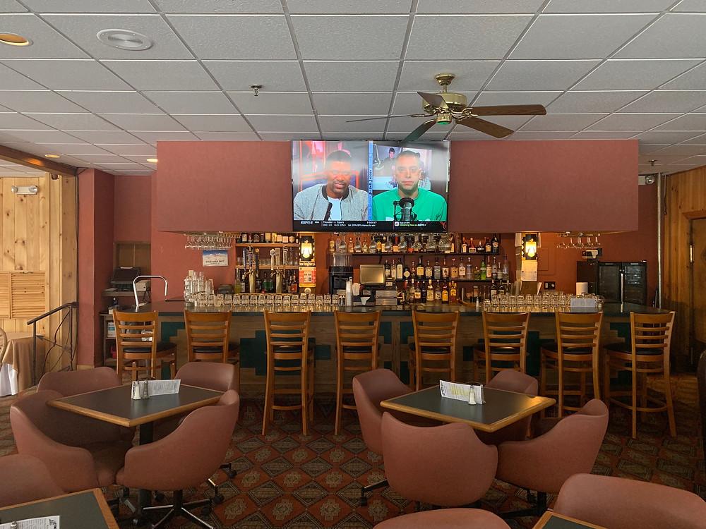 Thunderbird Lounge Indian Head Resort