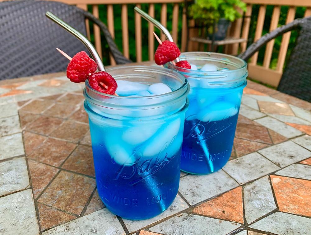 Sparkling blue lemonade