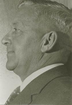j.h. frenken en profile