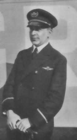 J.H. Frenken als piloot