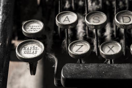 typewriter-5065594.jpg