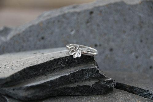 טבעת פרח סוליטר