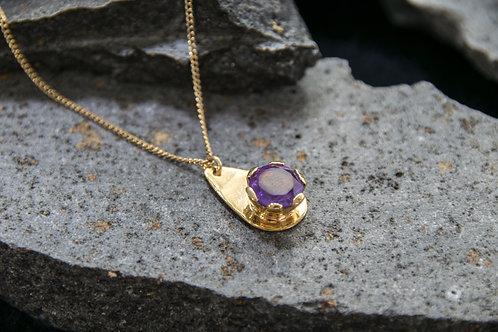 תליון עדין מצופה זהב משובץ אבן המטיסט