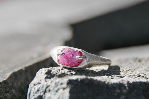טבעת רובי מפוסלת בשעווה, עבודת יד אחת ויחידה
