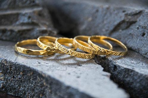 טבעת עדינה מרוקעת
