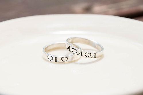 טבעת עם חריטה בהקדשה אישית