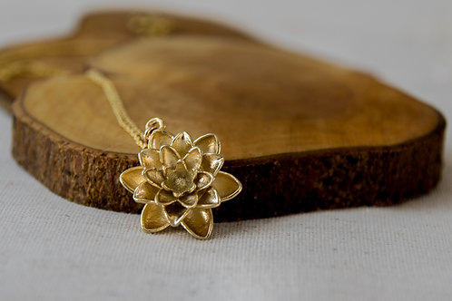 תליון מצופה זהב פרח הלוטוס