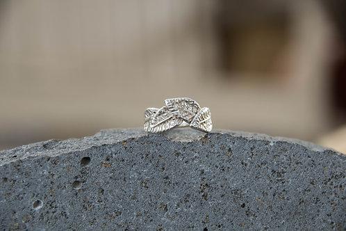 טבעת עלים מחבקים