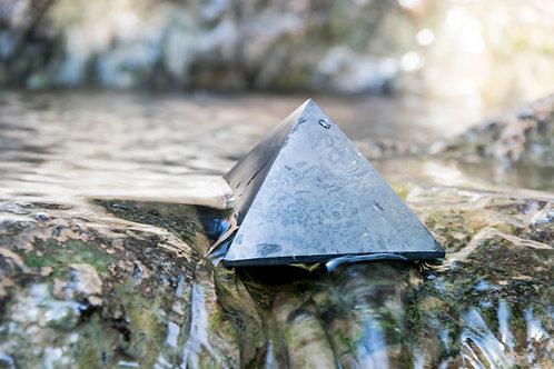 פירמידת שונגיט מלוטשת