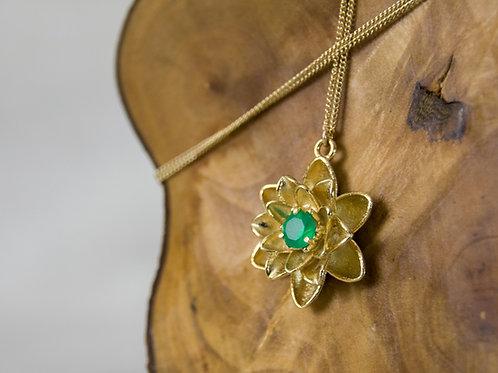 תליון כסף פרח הלוטוס משובץ אבן אוניקס ירוק - Onyx