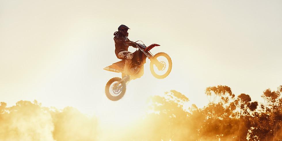 דרושים רוכבי אופנועים