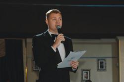 Ведущий на презентацию Важов