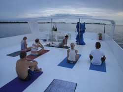 серф и йога на Мальдивах