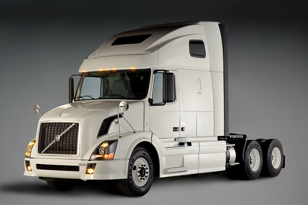 penske-orders-600-volvo-trucks-20065_1