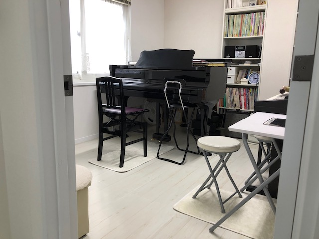 奈緒美先生レッスン室