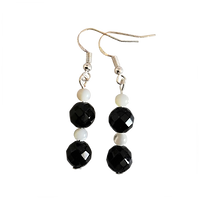 onyx_earrings_5.png