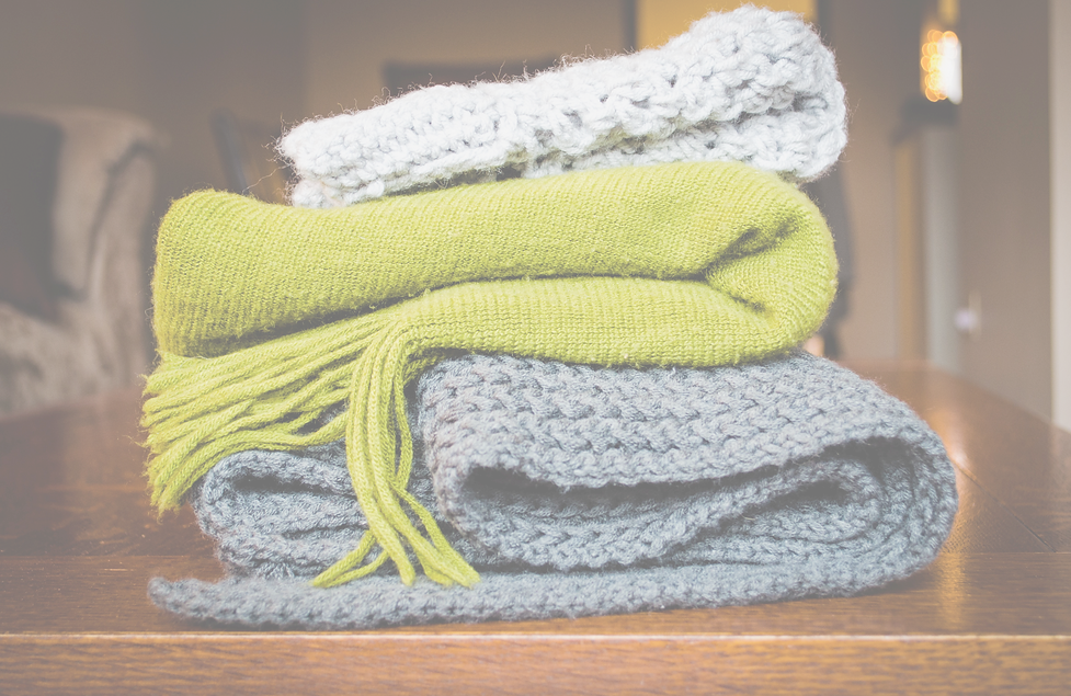 Knitted%20Scarves_edited.png