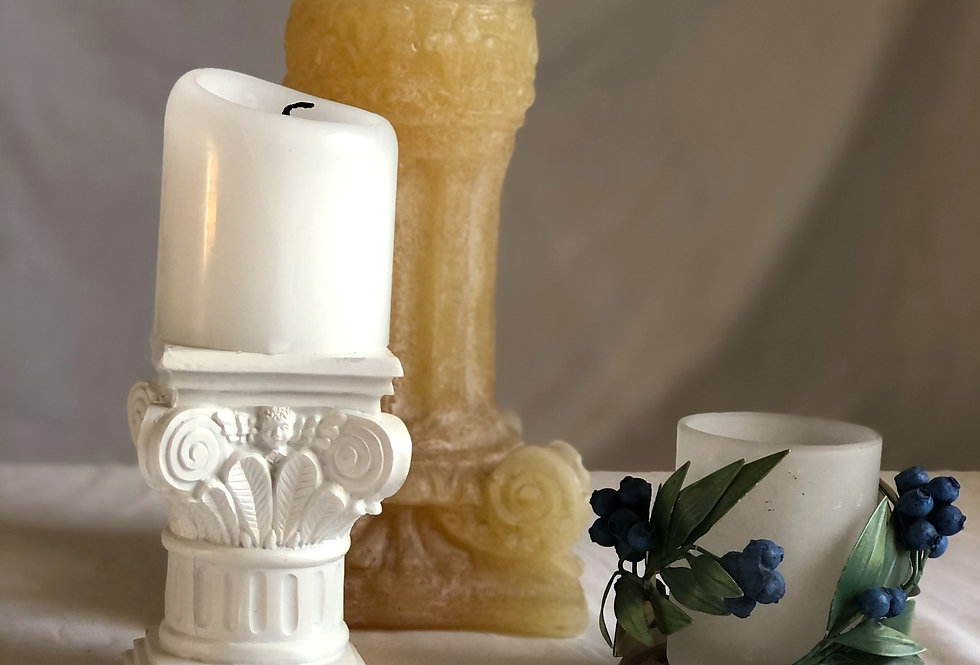 Column candle holder