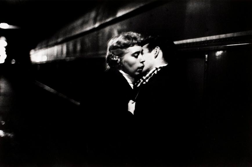 ernst-haas-the-kiss.jpg