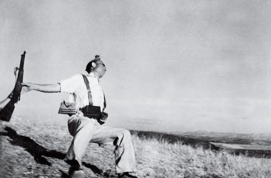 time-100-influential-photos-robert-capa-falling-soldier-24.jpg