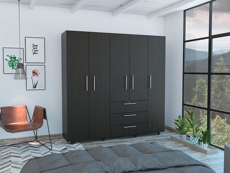 Serrat (Closet)