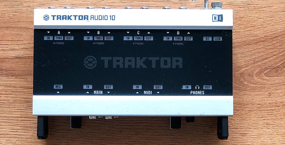 NI Traktor Audio 10