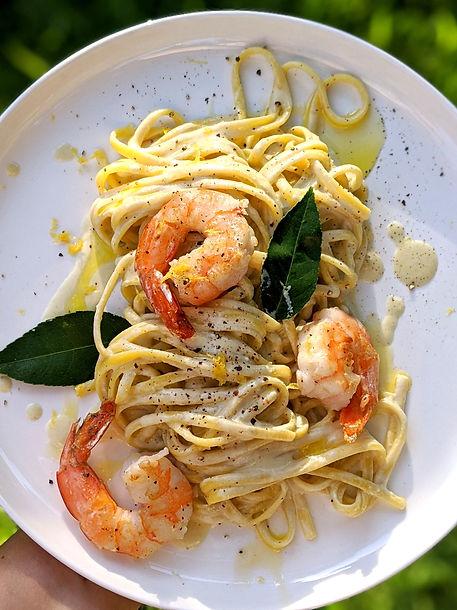 Linguine with lemon cream, shrimps