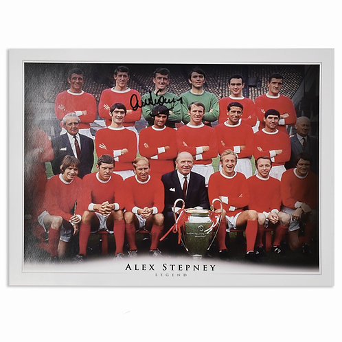 Alex Stepney Signed Manchester United 1960s Team Picture