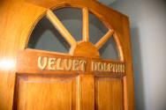 velvet dolphin deur 1.jpg