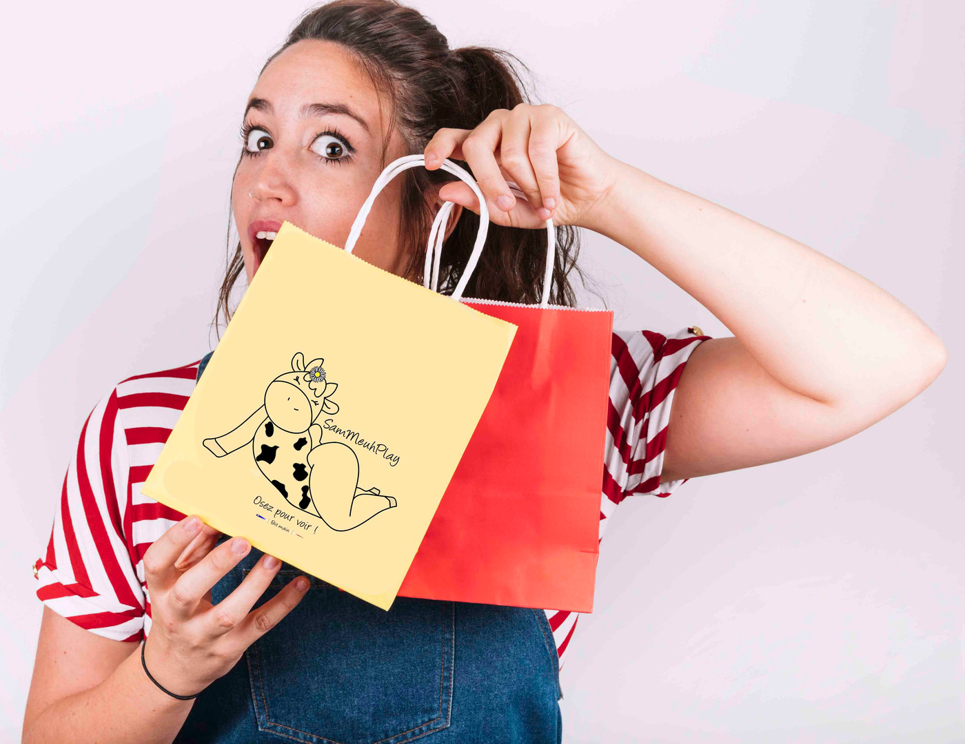 Woman with shoppping bag.jpg