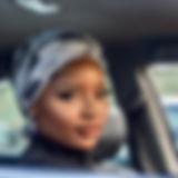 beautiful-woman-car-eyelashes-1769467.jp