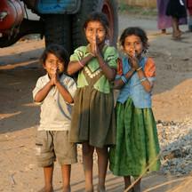 Kids praying in India