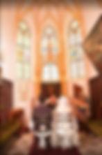 ヨーロッパ結婚式 ハネムーン 教会婚