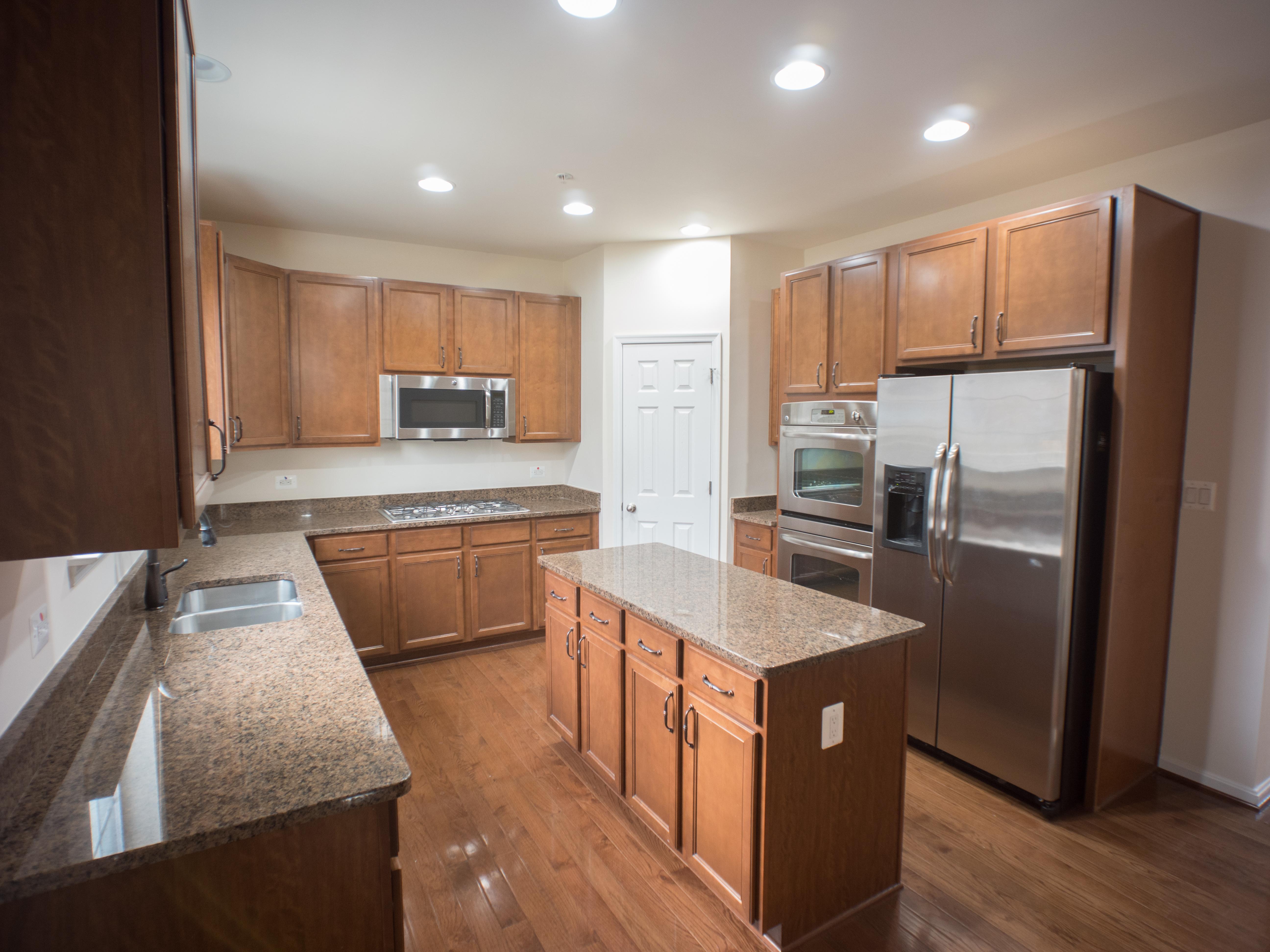 6320 Kitchen b