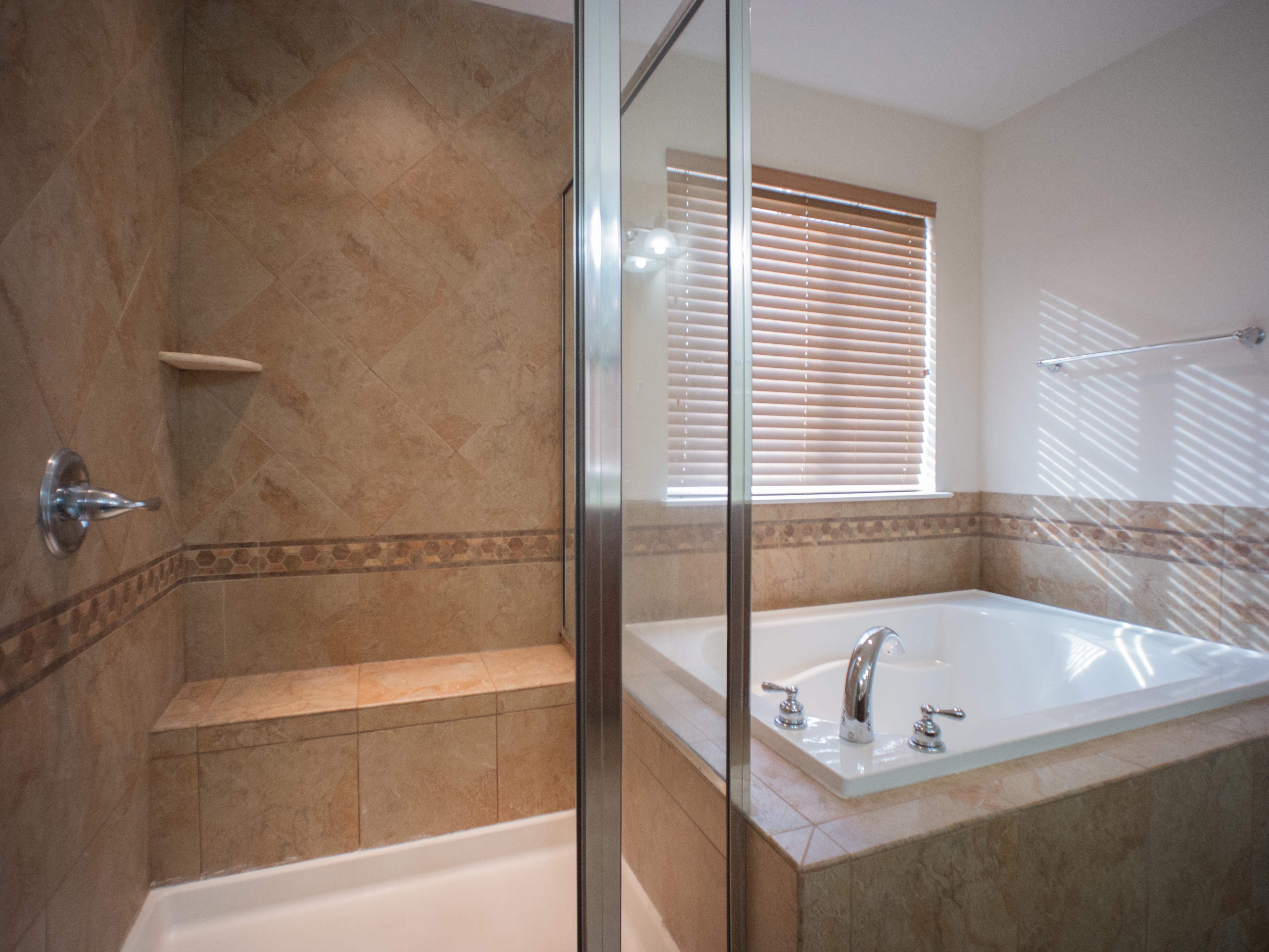 6320 Master Bath c
