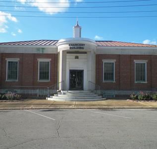 100 Main Street North