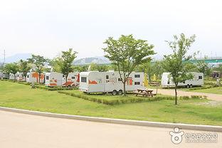 농촌체험마을과 캠핑을 동시에 즐기다!_자라섬오토캠핑장.jpg